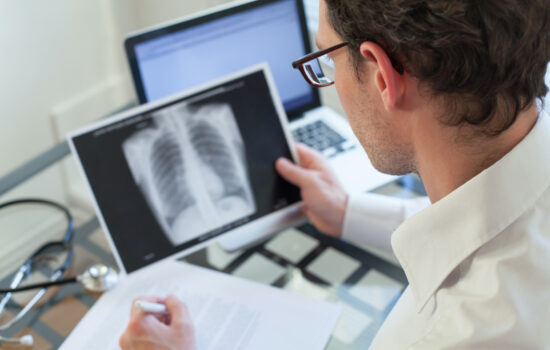 What's the Difference Between Lung Cancer Risk, Screening & Symptoms?